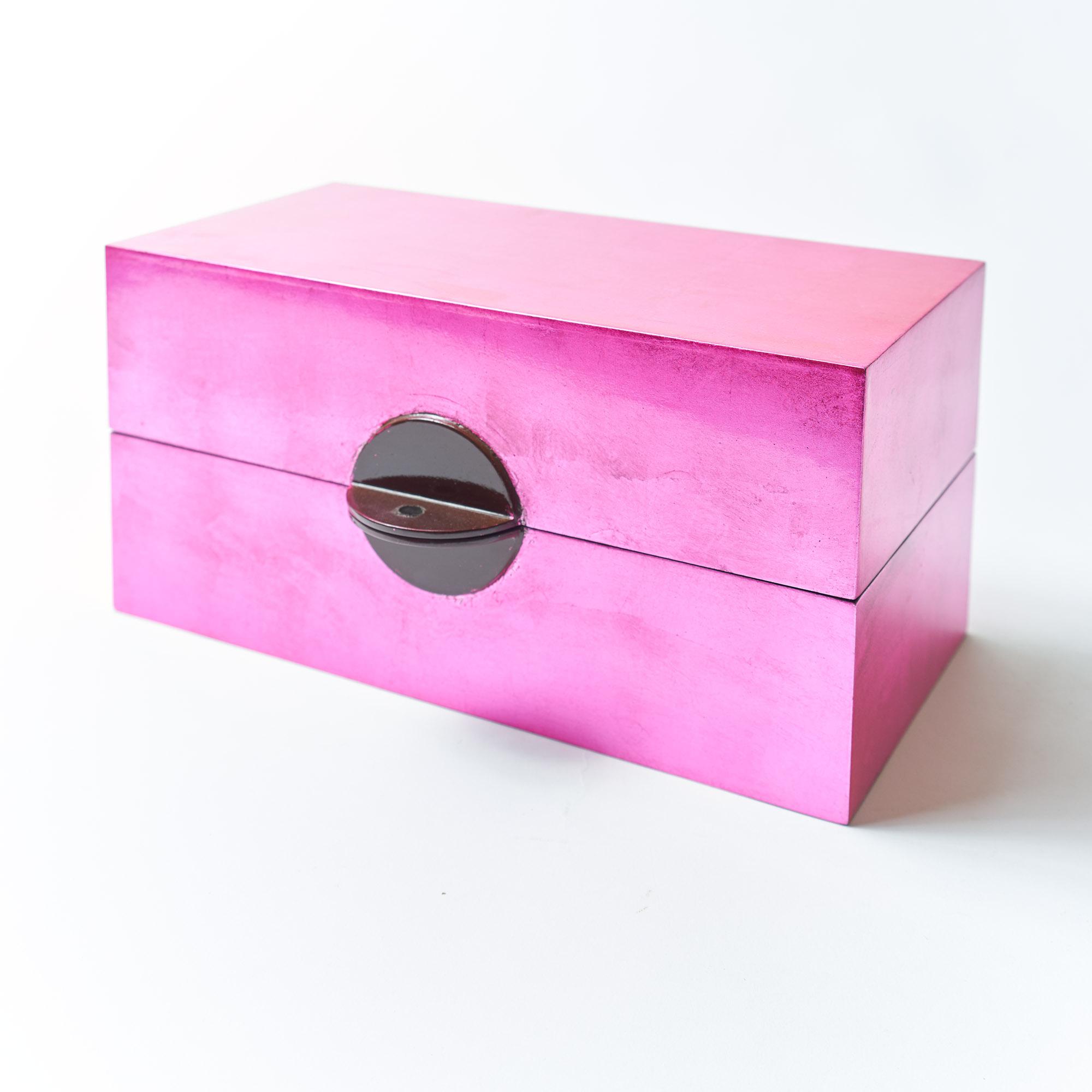 Caja rectangular laca fucsia