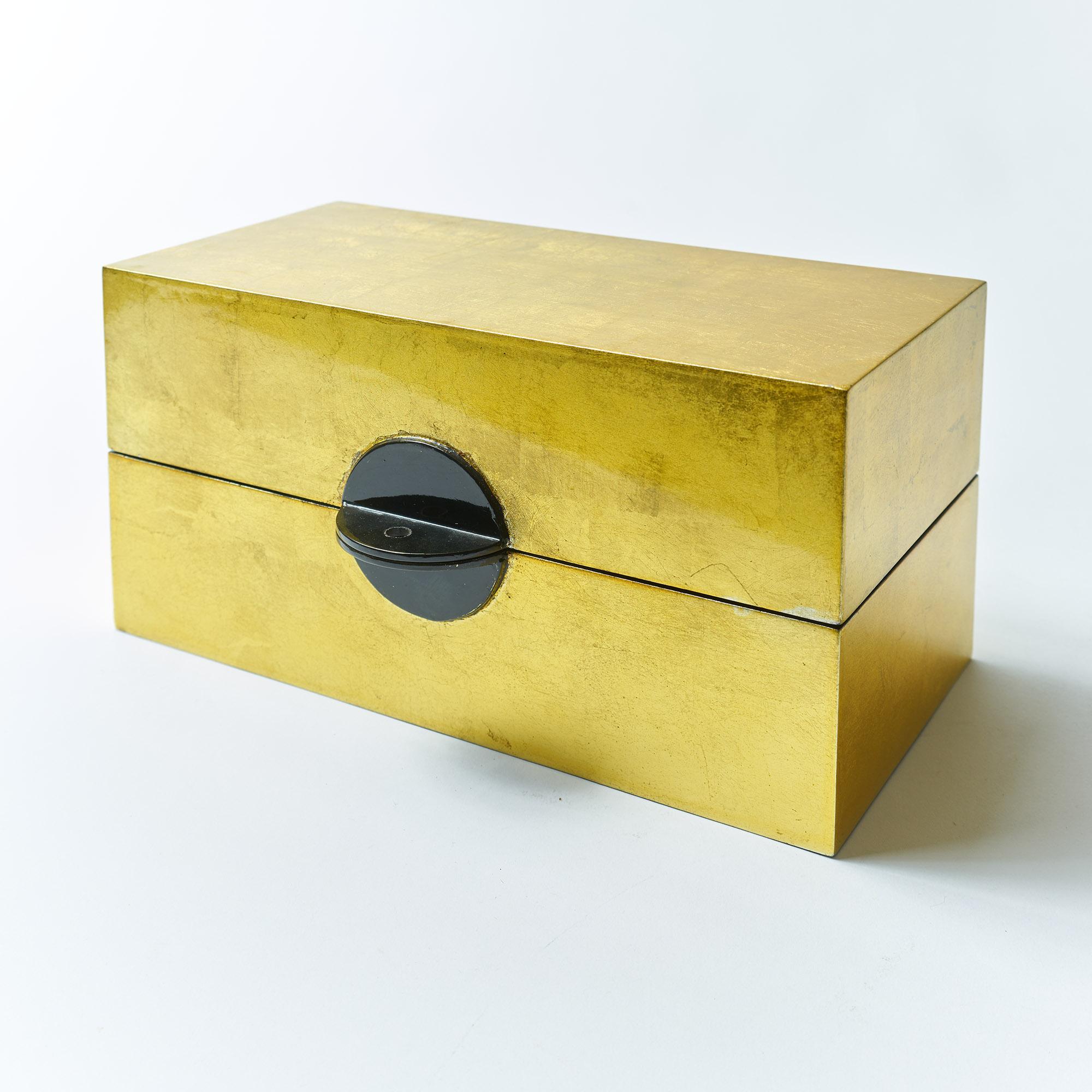 Caja laca rectangular dorada