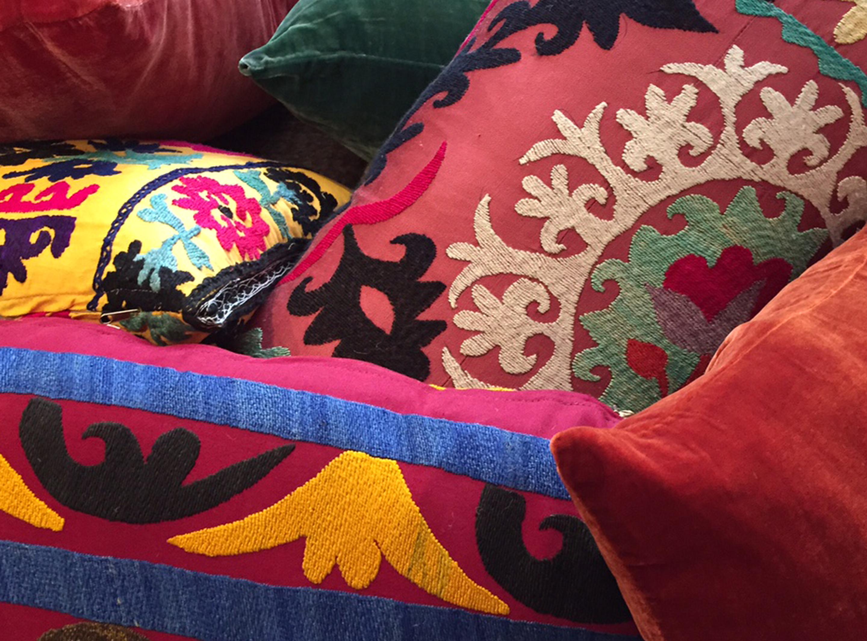 Suzanies, una tradición textil milenaria que continua vigente.
