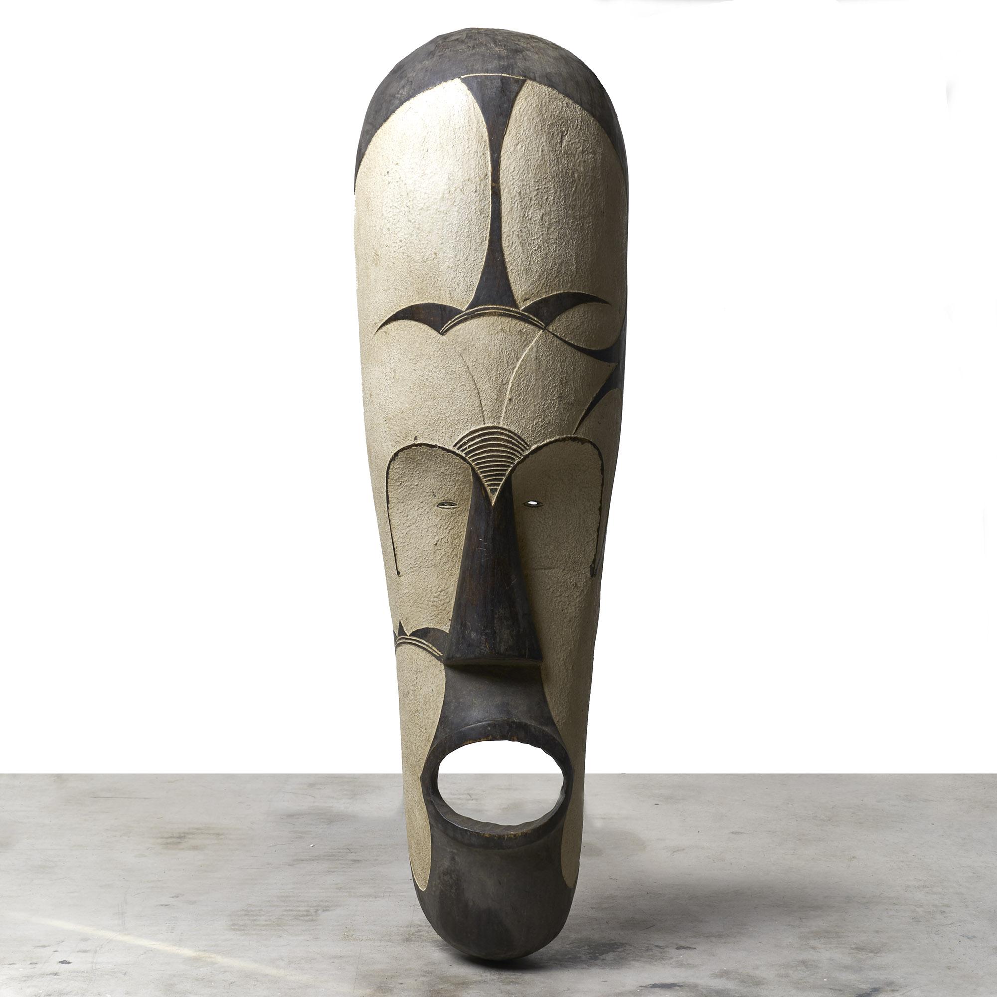 Máscara  Fang alta de madera.