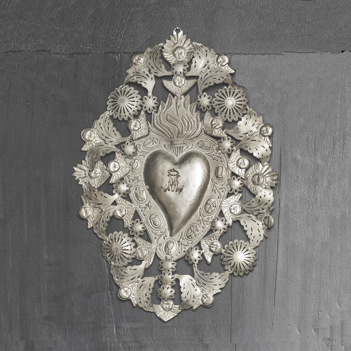 Corazón plateado mediano