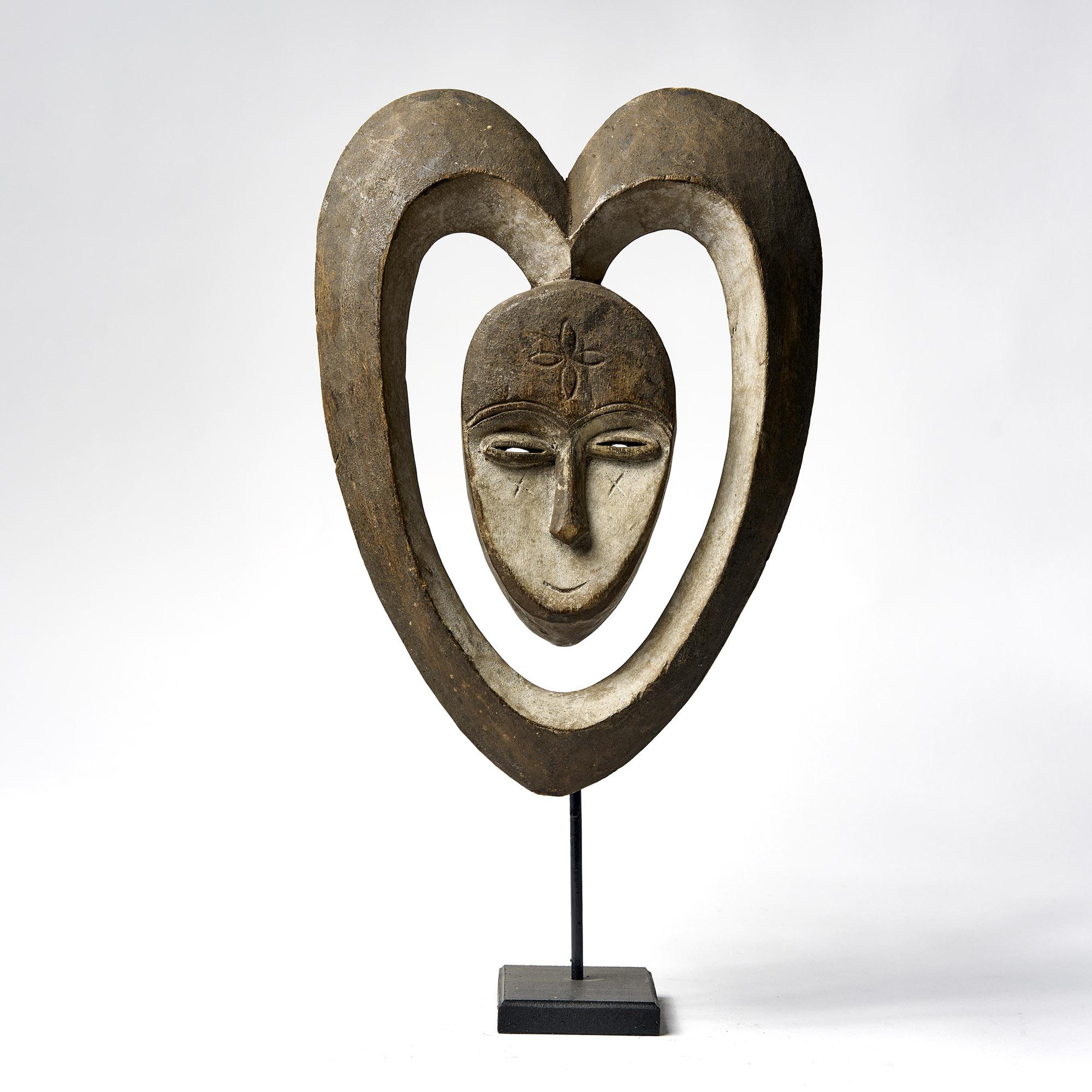Máscara africana de madera, Kwele