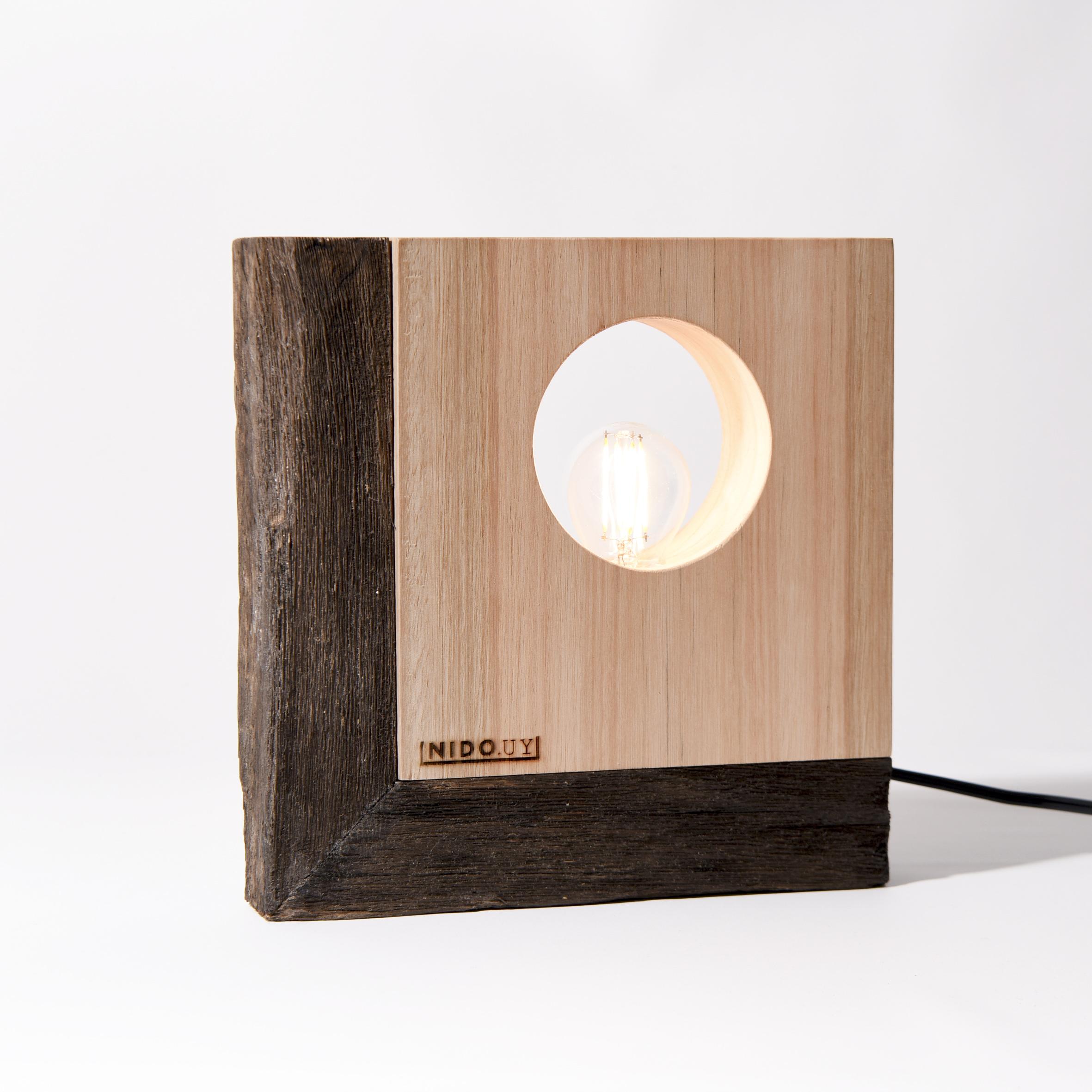 """Luminaria de Mesa """"GEO"""" con marco"""
