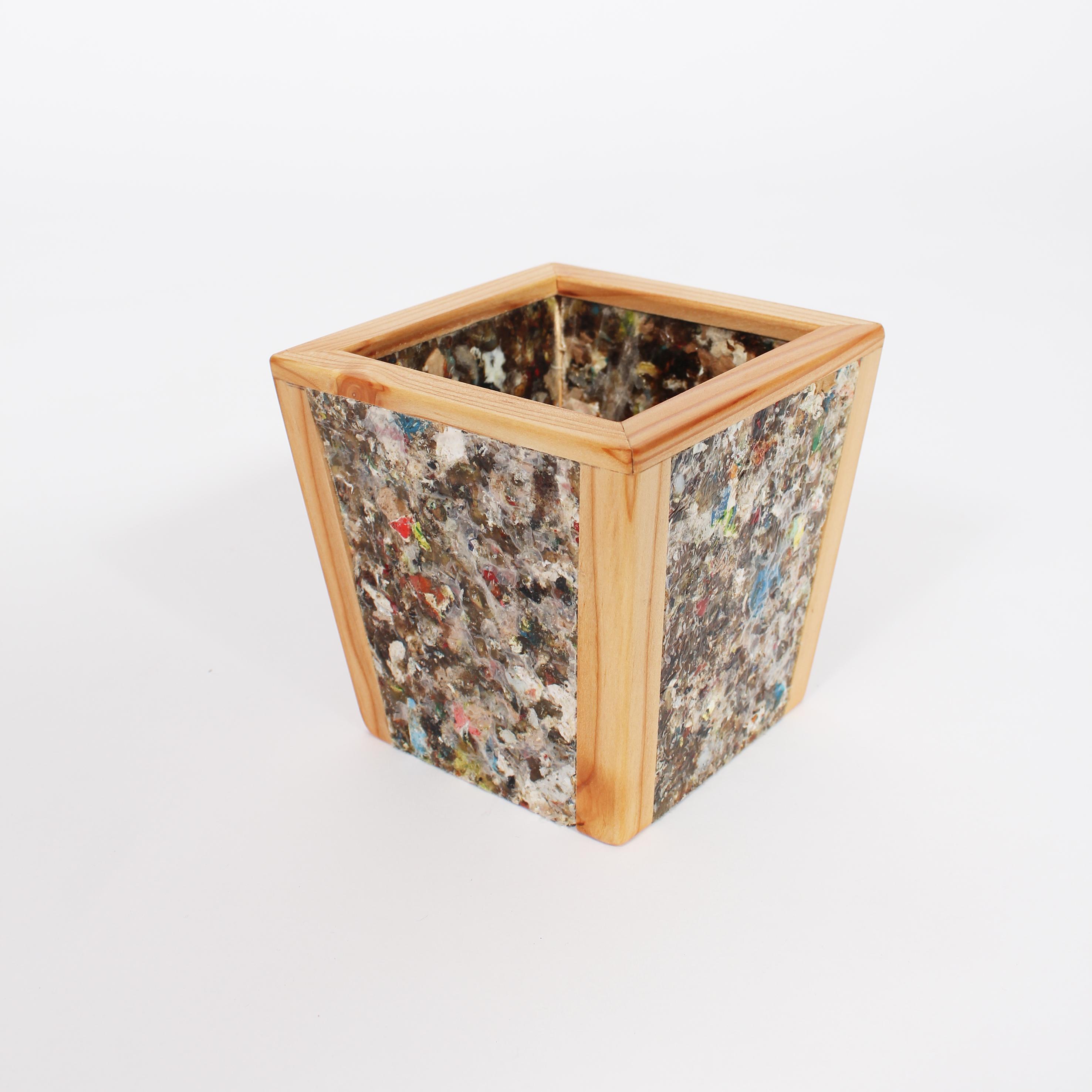 Porta lápices con placa reciclada