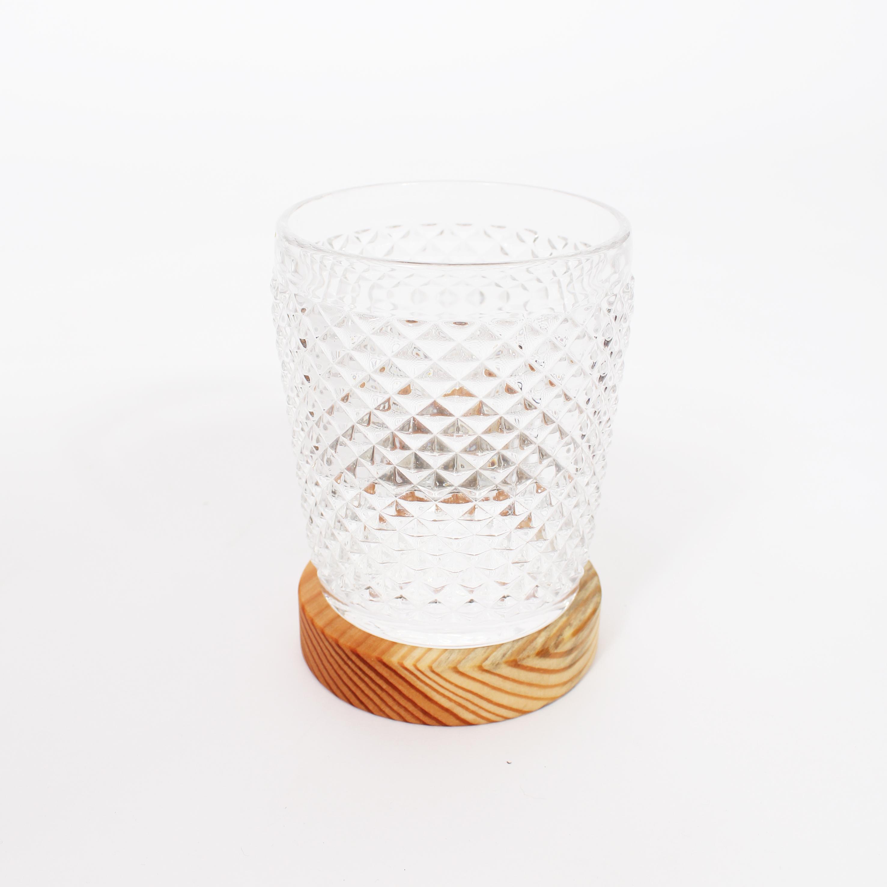 Porta vaso con placa reciclada